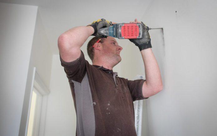 Cẩn thận đừng để xảy ra tai nạn khi bạn tự sửa nhà